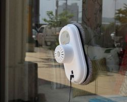 Использование робота для мытья окон, популярные модели