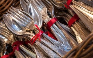 Как почистить мельхиоровые ложки, вилки и другие столовые приборы
