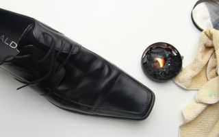 Чем можно отстирать гуталин с одежды, простые рецепты выведения черных пятен