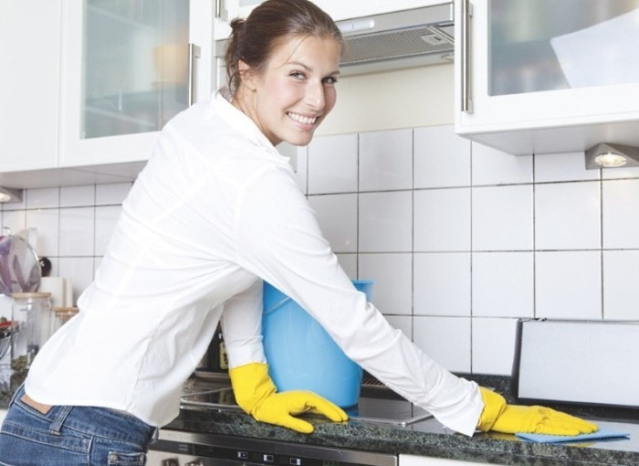 Мытье плиты