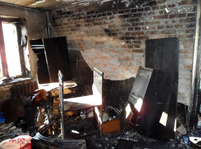 Сгоревшая мебель и предметы интерьера