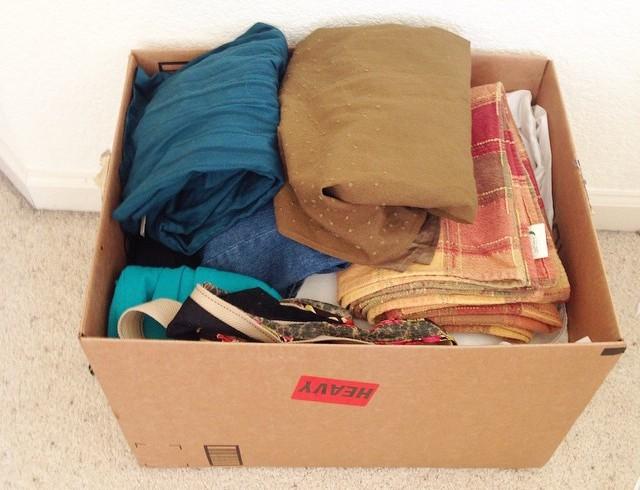 Коробка с ненужными вещами