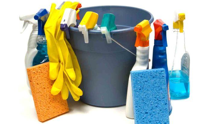 Различный моющие средства для уборки