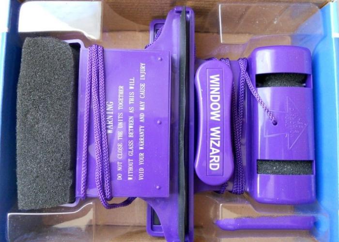 Упаковка с магнитной щеткой window wizard