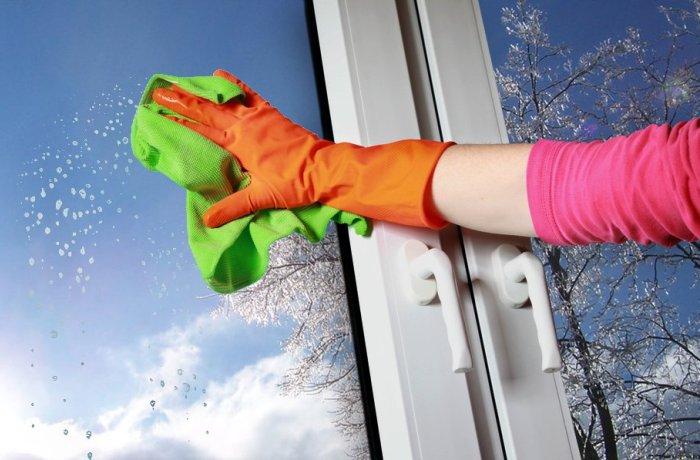 Мытье стекол в окнах без разводов до блеска