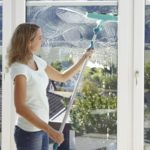 Телескопическая щетка для мыть окон