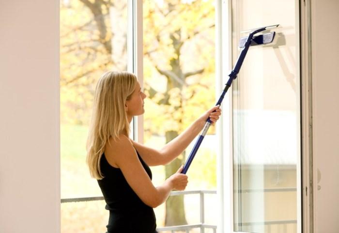 Работы по мытью стекол до блеска