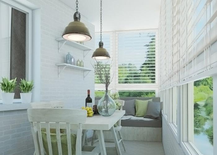 Чистый и опрятный балкон