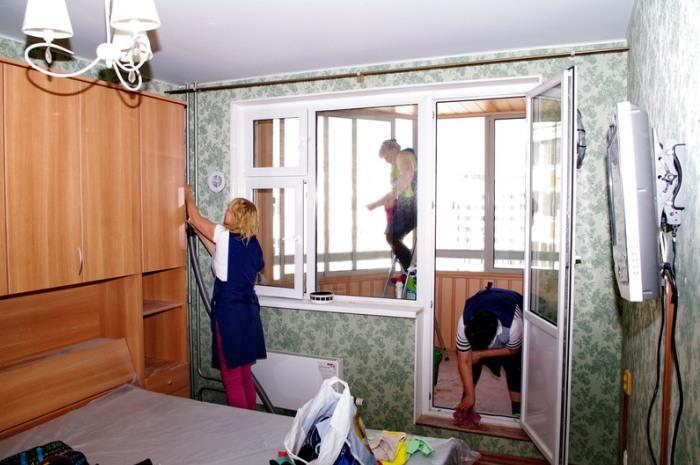 Работа в квартире нескольких специалистов