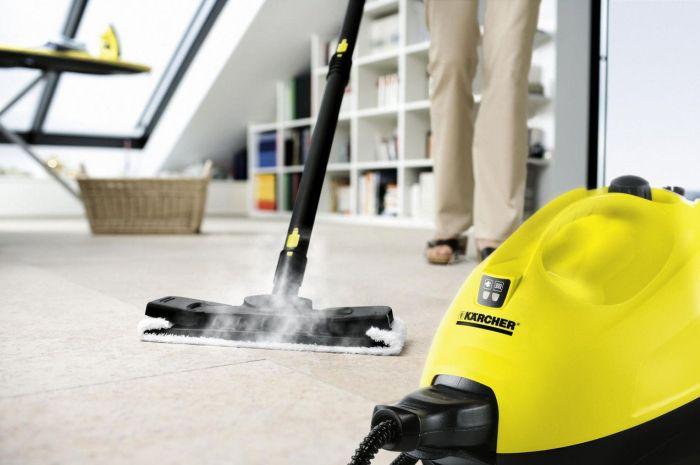 Применение моющего пылесоса для наведения чистоты в квартире
