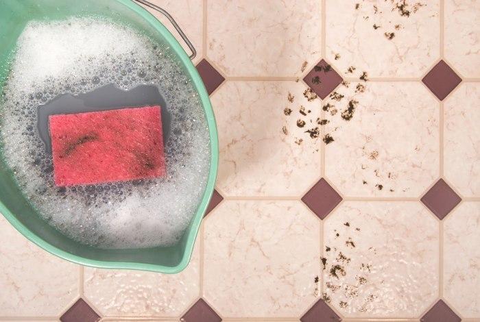 Простое мытье керамической плитки