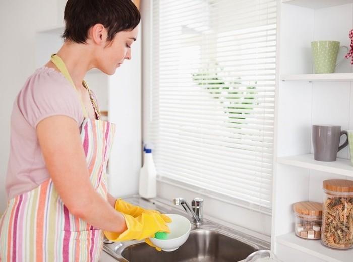 Посуду необходимо мыть регулярно