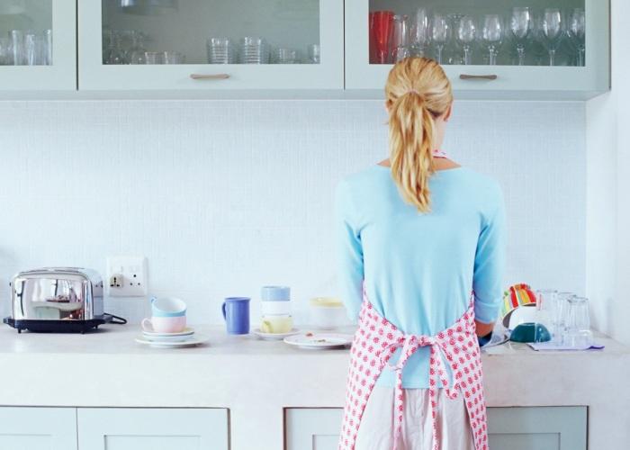 Для порядка и чистоты на кухне приходится регулярно трудиться