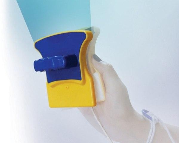 Удобное, легкое и простое устройство для мытья стекол