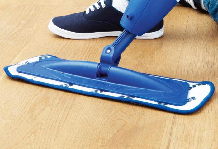 Использование для мытья пола современной швабры