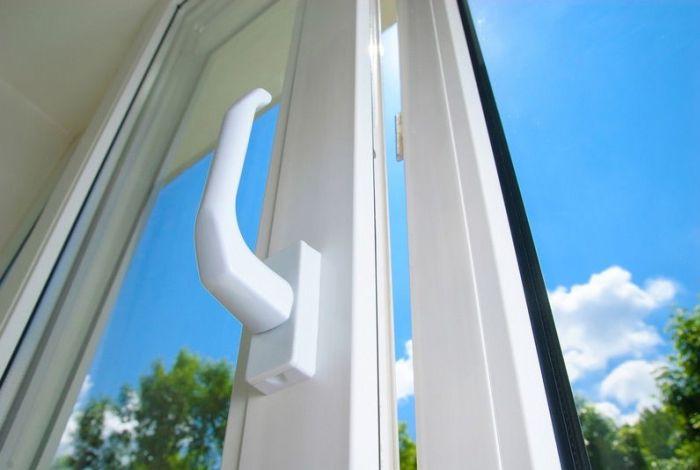 Использование стеклопакетов помогает создать в доме уют