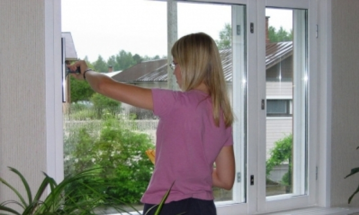 Открываем окна для проветривания