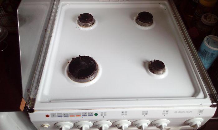 Газовая плита намыта и начищена