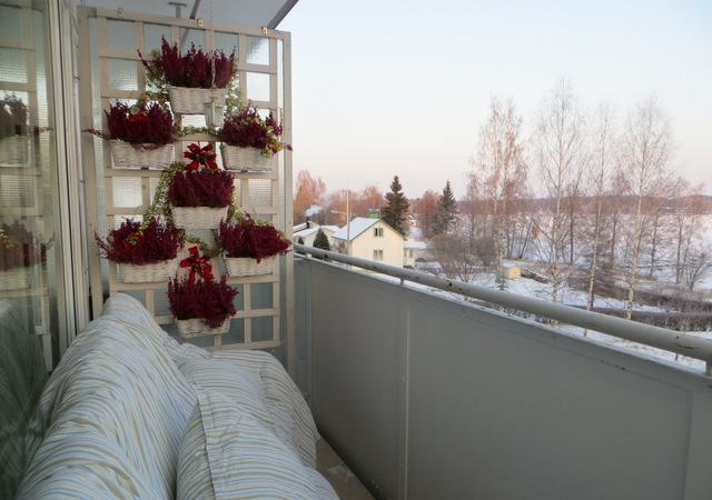 Зимнее проветривание вещей на балконе