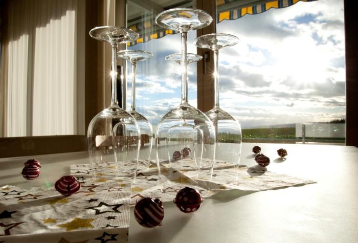 Прозрачный материал посуды