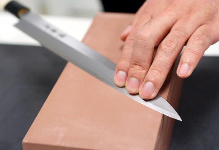 Затачивание ножа с помощью бруска