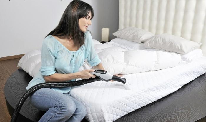 Наведение чистоты в спальне