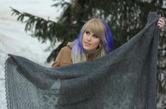 Теплый платок очень нужен зимой