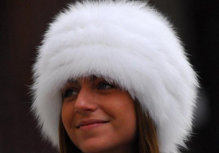Как постирать шапку с меховым помпоном в домашних условиях