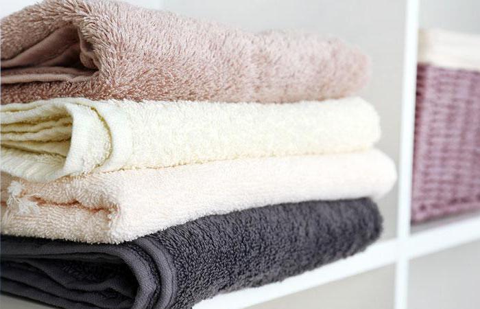 Стопка чистых полотенец
