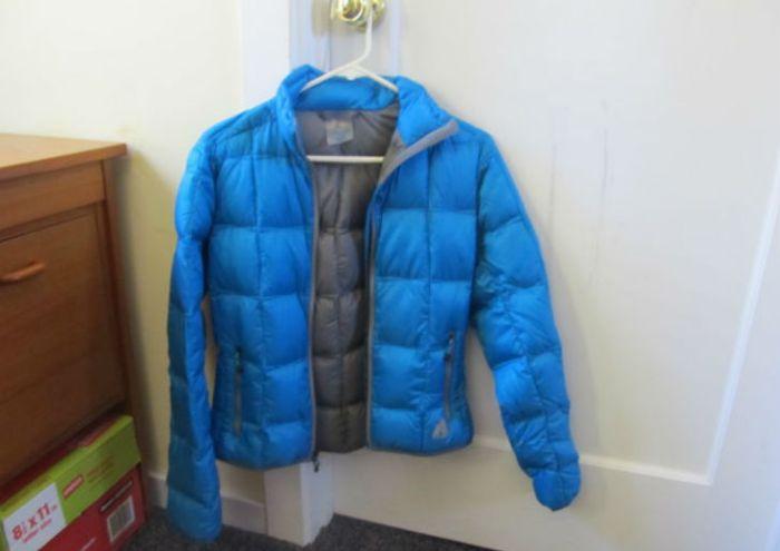 Куртка сохнет в естественном режиме