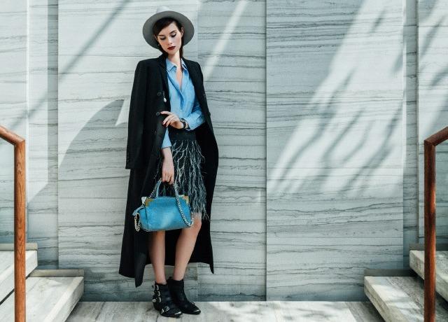 Девушка в современной одежде