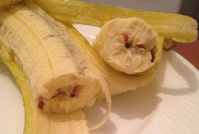 Трудновыводимые с одежды следы банана