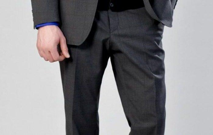Костюм регулярно носят многие мужчины