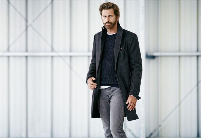 Стильный мужчина в пальто