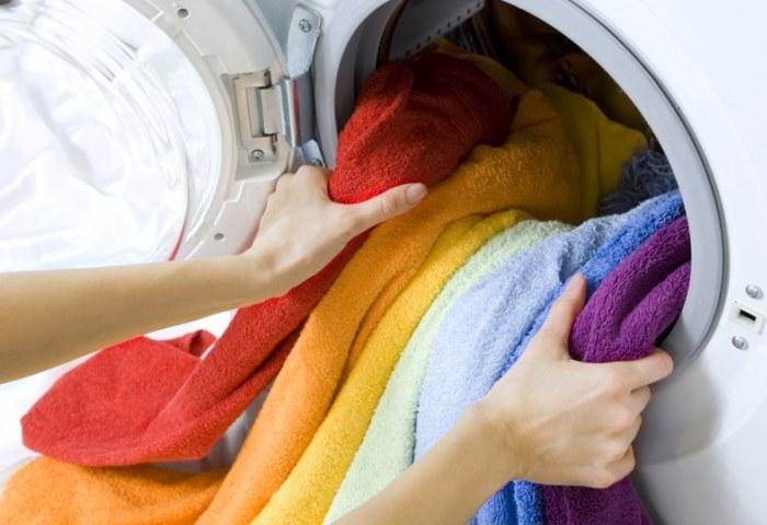 Стирка цветных вещей в стиральной машинке