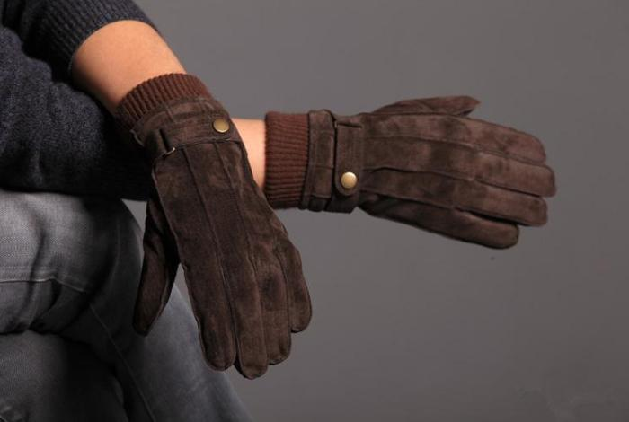 Замшевые перчатки на зиму