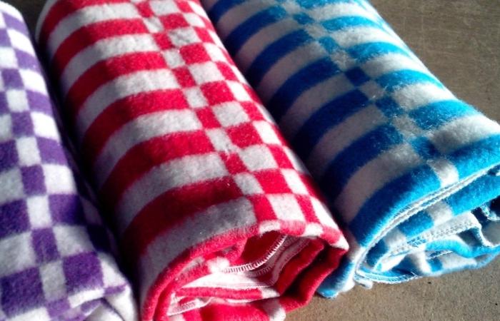 Классические цельнотканевые одеяла из шерсти