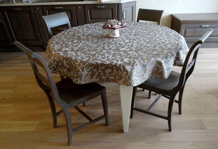 Красивая тефлоновая скатерть для стола