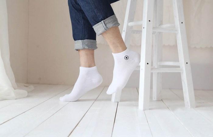 Мужские носки белого цвета