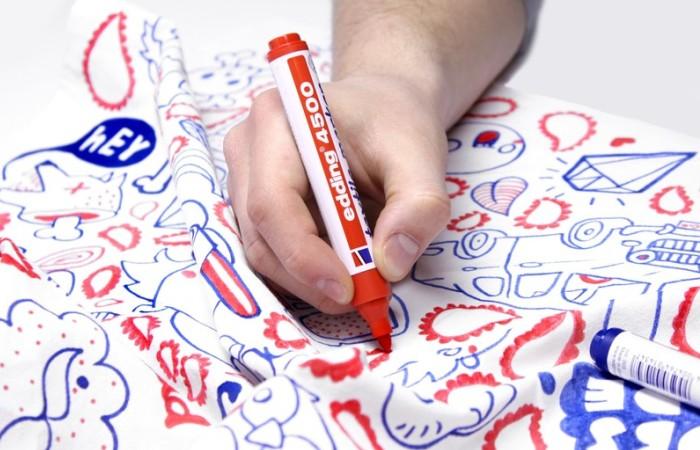 Рисование на одежде маркерами разных цветов