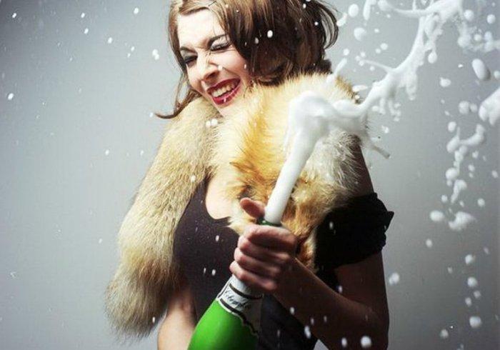Открываем праздничное шампанское