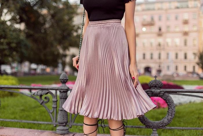 Как стирать плиссированную юбку вручную и в стиральной машине