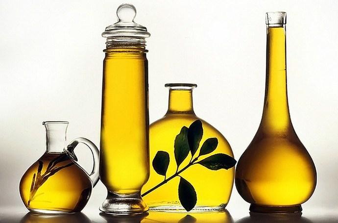 Растительное масло в разной таре