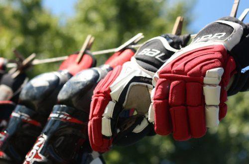Сушка хоккейных перчаток
