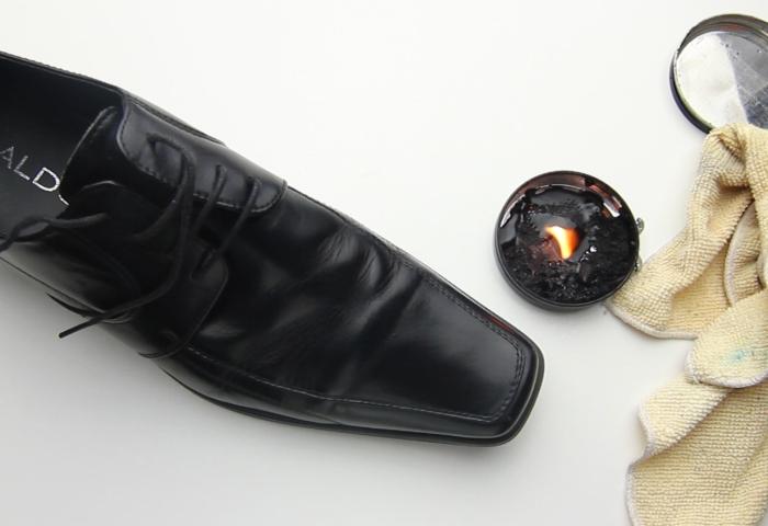 Черная обувь натертая гуталином