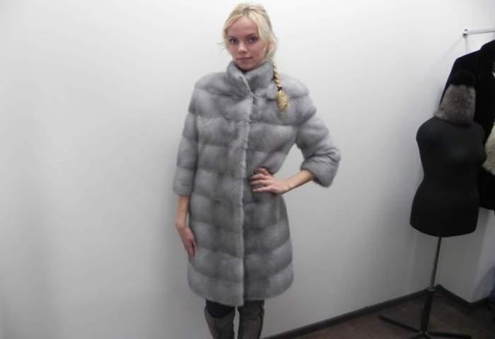 Зимняя одежда для девушек и женщин