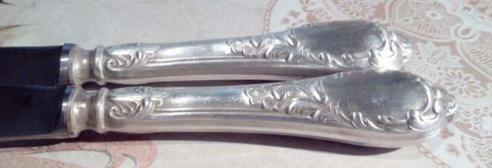 Чистые ручки мельхиоровых ножей