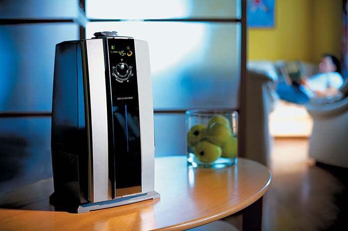 Современный ионизитор-увлажнитель воздуха для дома