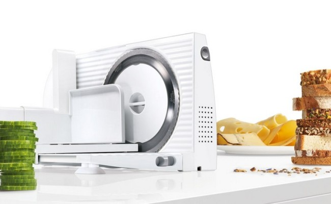 Симпатичный белый аппарат