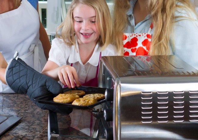 Полезный современный прибор на кухне - мини-печь